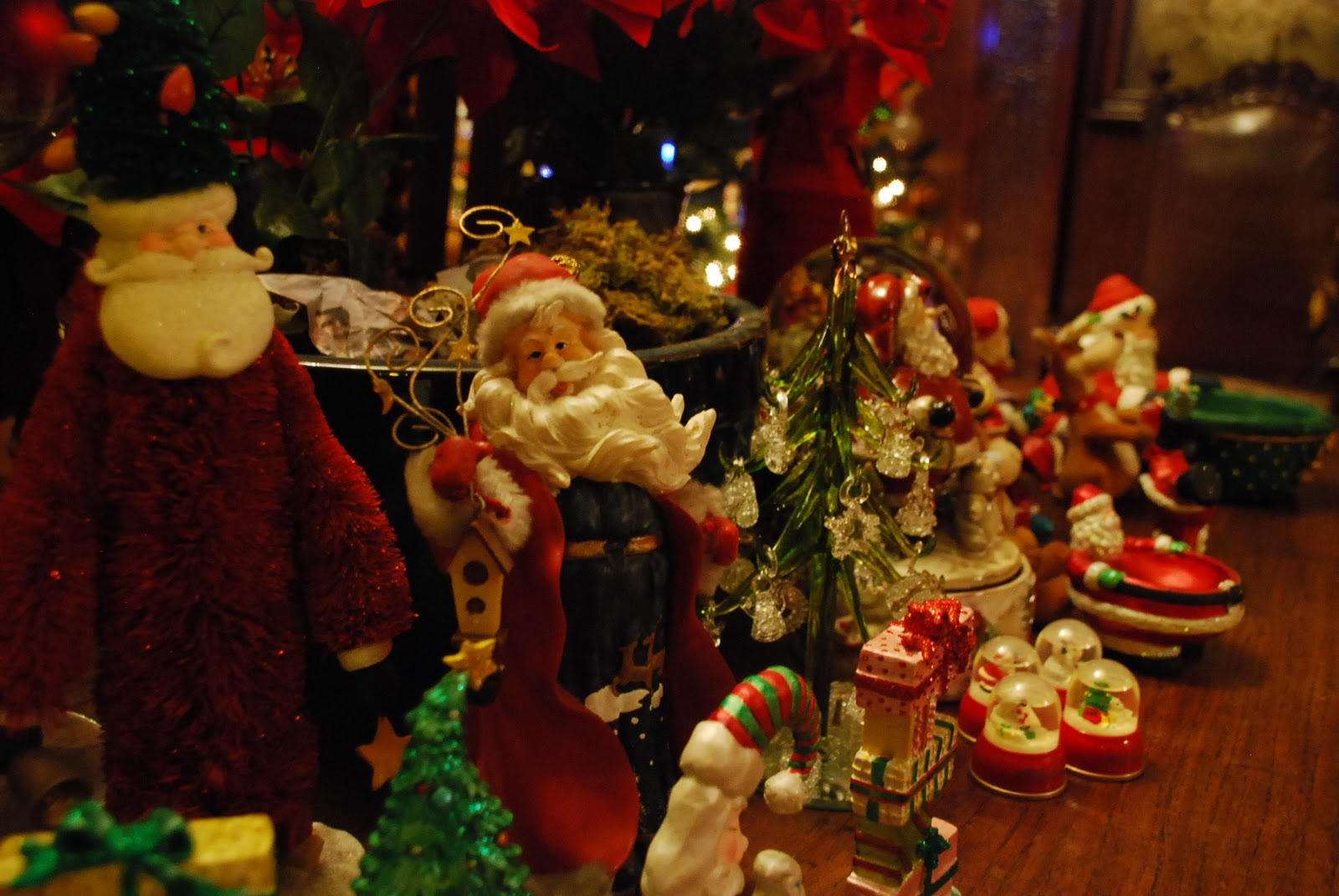 Greenhills Christmas Decor : Stories behind some of the christmas decorations this