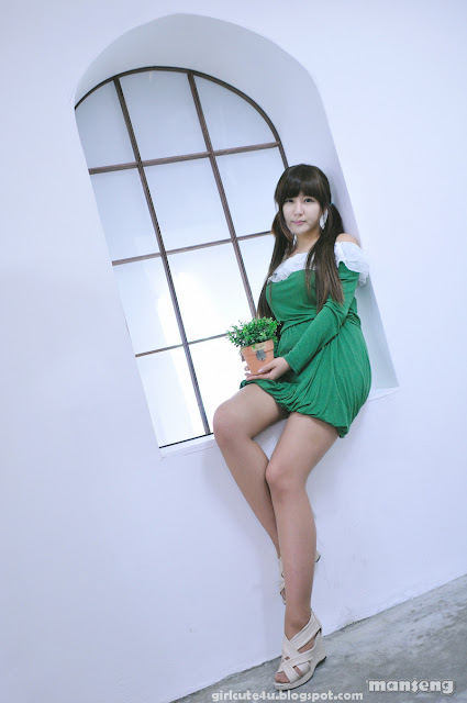 2 Ryu Ji Hye in Green-very cute asian girl-girlcute4u.blogspot.com