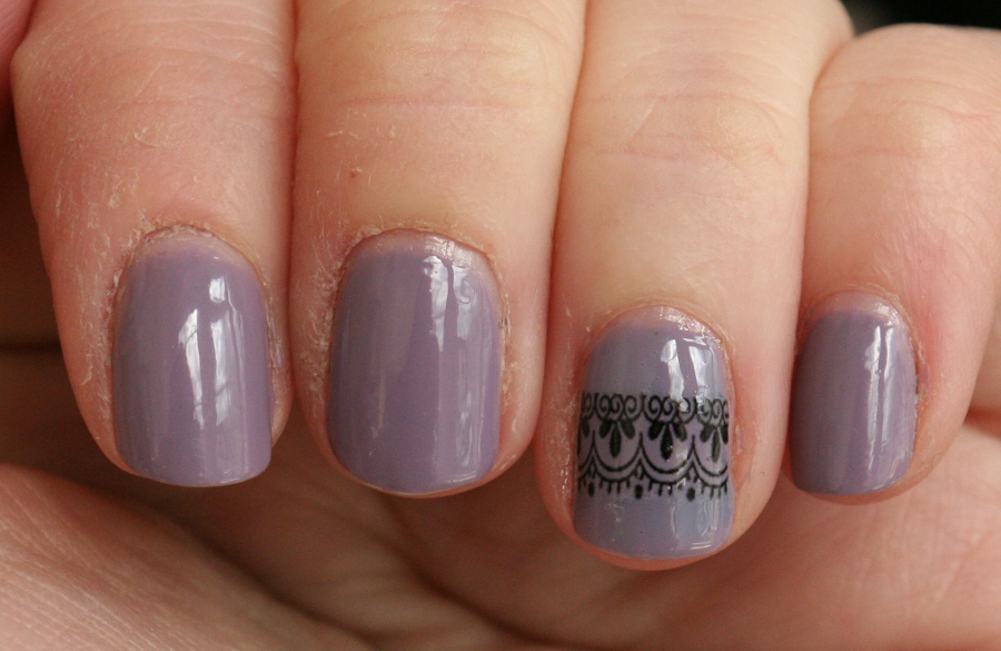 London Beauty Review: Easy Nail Art with Water Transfers