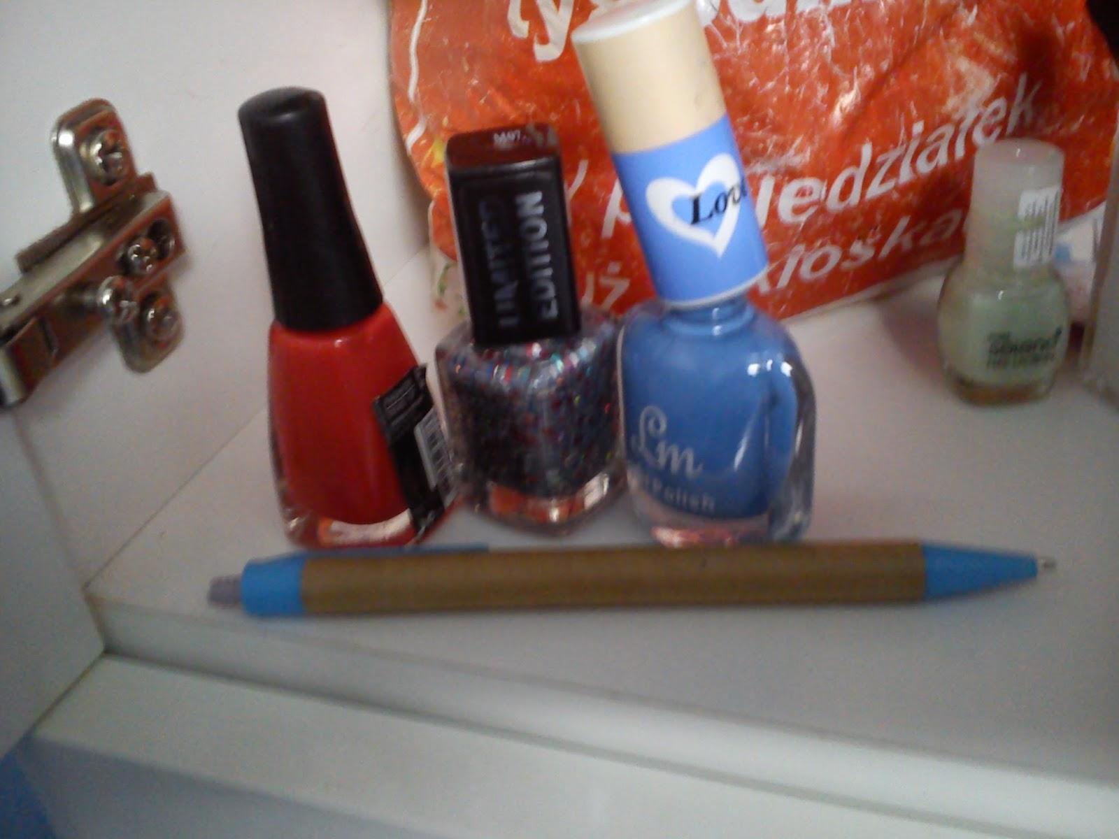 """DIY - paznokcie w kolorze """"błękitu"""""""