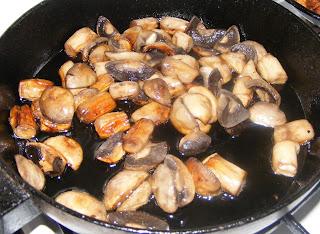 omleta, reteta omleta, omleta cu branza, omleta cu legume, omleta pufoasa, omleta pufoasa cu branza si legume, omleta de casa, retete culinare, retete de mancare, preparate culinare, gustari, aperitive, mic dejun, retete omleta, omleta cu ciuperci, retete cu ciuperci, retete cu branza,