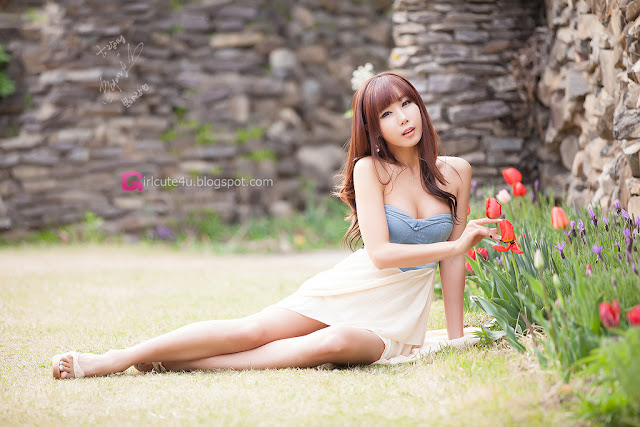1 Cheon Bo Young Outdoor -Very cute asian girl - girlcute4u.blogspot.com