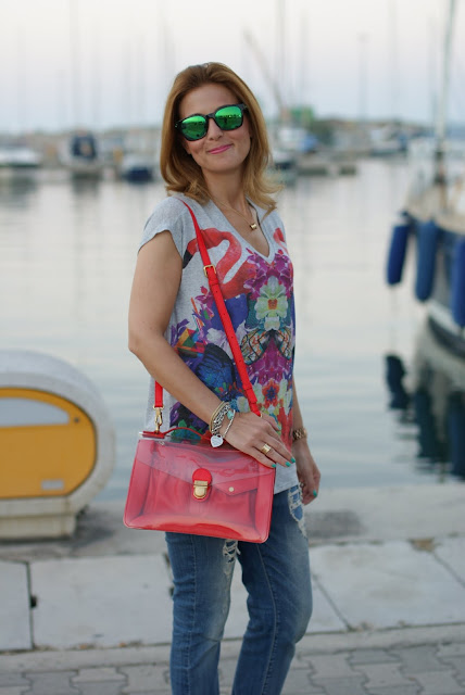 Summer outfit, flamingo t-shirt, Marc by Marc Jacobs transparent bag, Fashion and Cookies