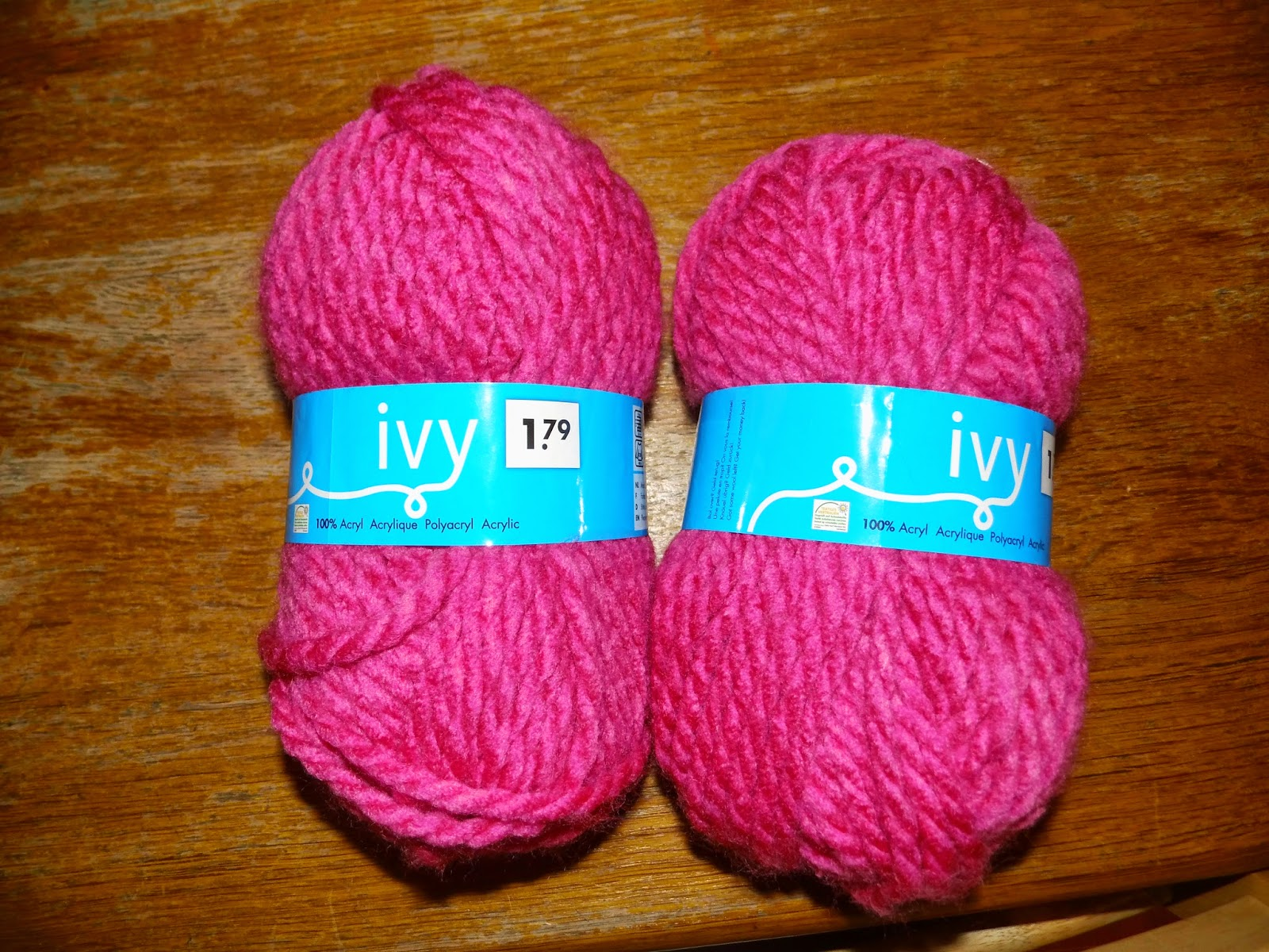 Littlewolf tricot n 3 une charpe avec les bras - Laine pour tricoter avec les bras ...