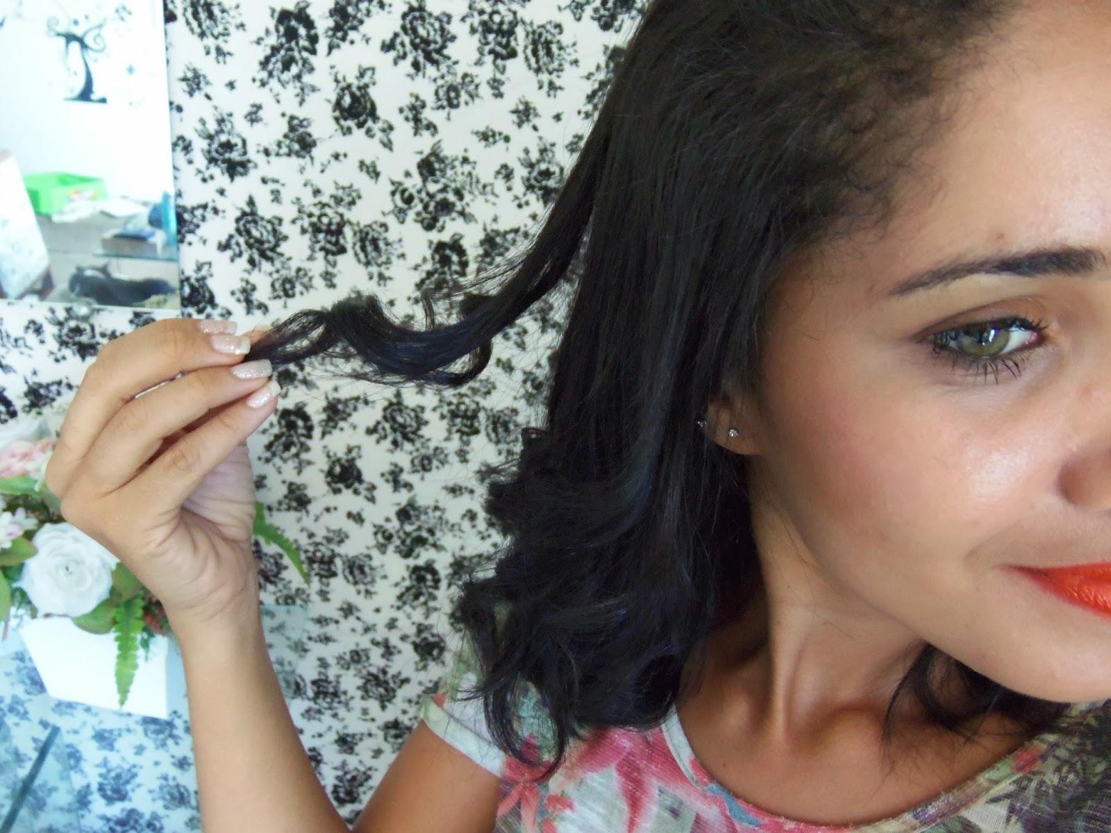 Oi meninas, fiz um vídeo para mostras para vocês como faço cachos no meu cabelo sem o babyliss. Espero que vocês gostem, Vamos assistir?