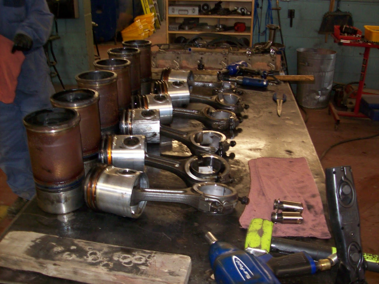 School Bus Mechanic  International DT466 Diesel Engine Rebuild