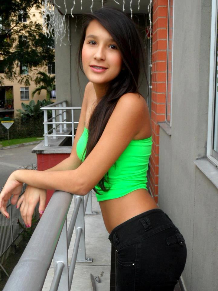 morritas de fasebok: adolesentes super hots