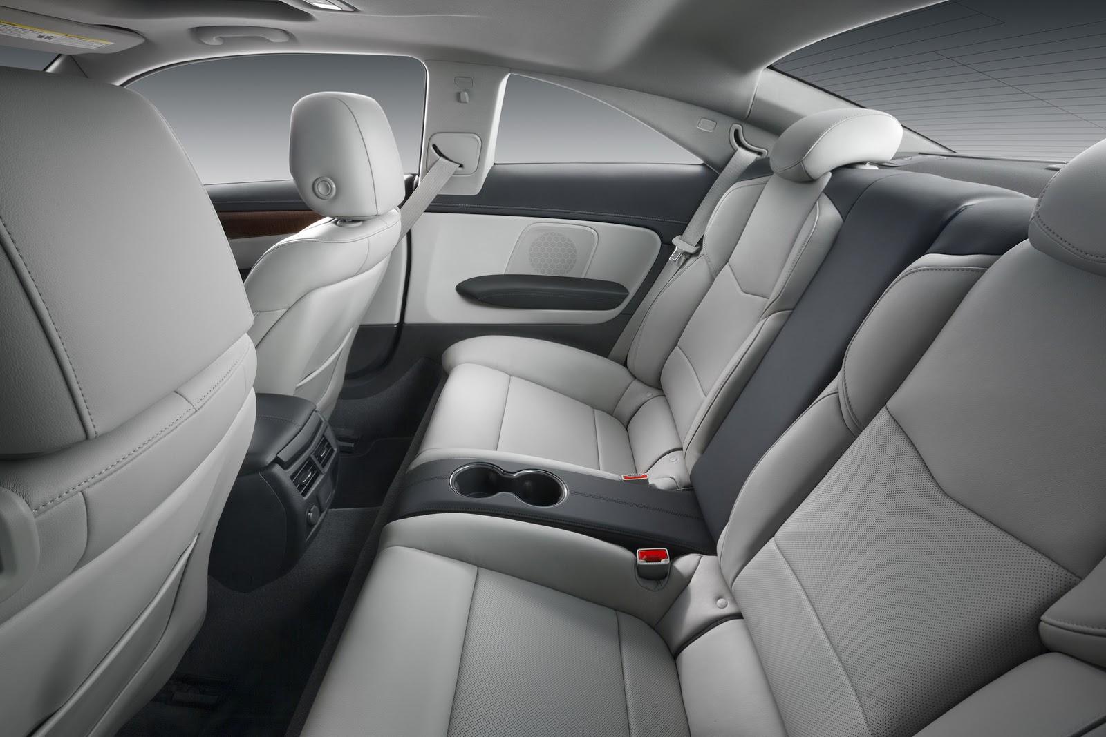 2015-Cadillac-ATScoupe-55.jpg