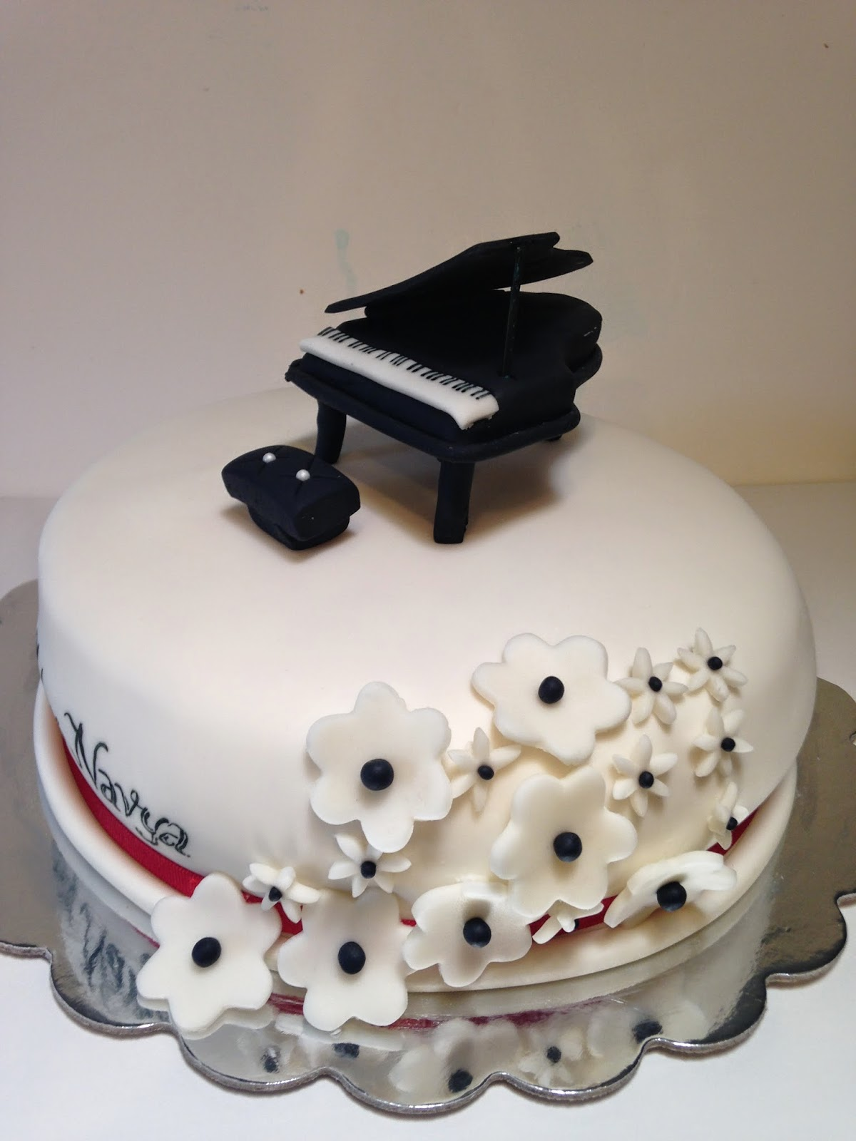 Sweet Music I Do Cakes