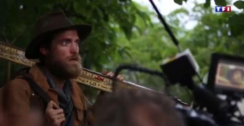 Pattinson como Henry Costin en TLCOZ