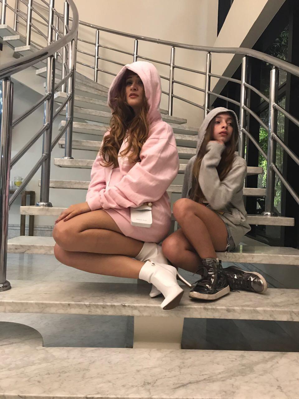 Pietra Ten Caten, modelo teen e apontada com uma nova Gisele Bündchen fotografa para marca internac
