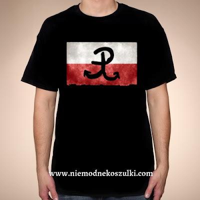 Koszulka z flagą i symbolem Polski Walczącej