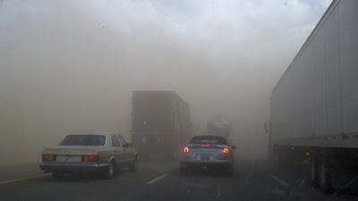 Foto und Video Staubsturm Interstate 10 nahe Tucson, Arizona am 4. Oktober 2011, Katastrophen, USA, Off Topic, Sandsturm, Oktober, 2011, aktuell, Fotos Fotogalerie, Video,