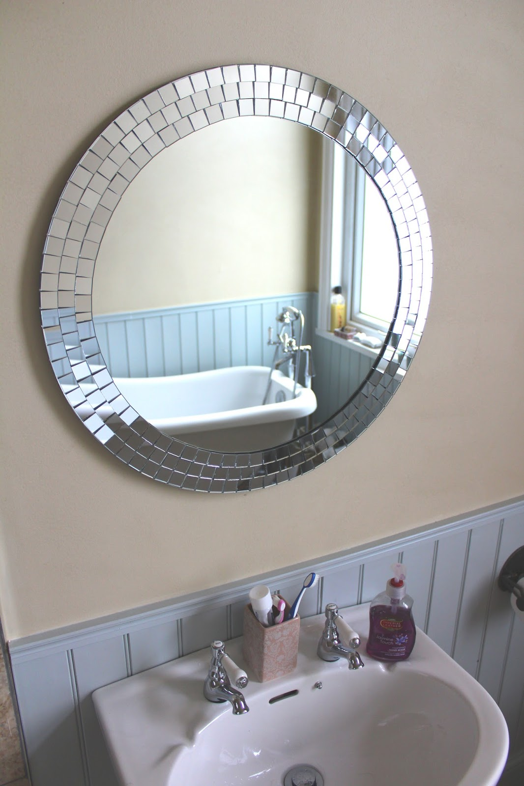 Uk home renovation interiors and diy blog for Mirror installation