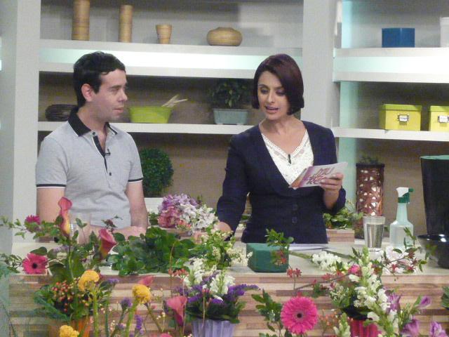 """Ikebana de Primavera TV Gazeta no """"Mulheres."""" com Katia Fonseca."""
