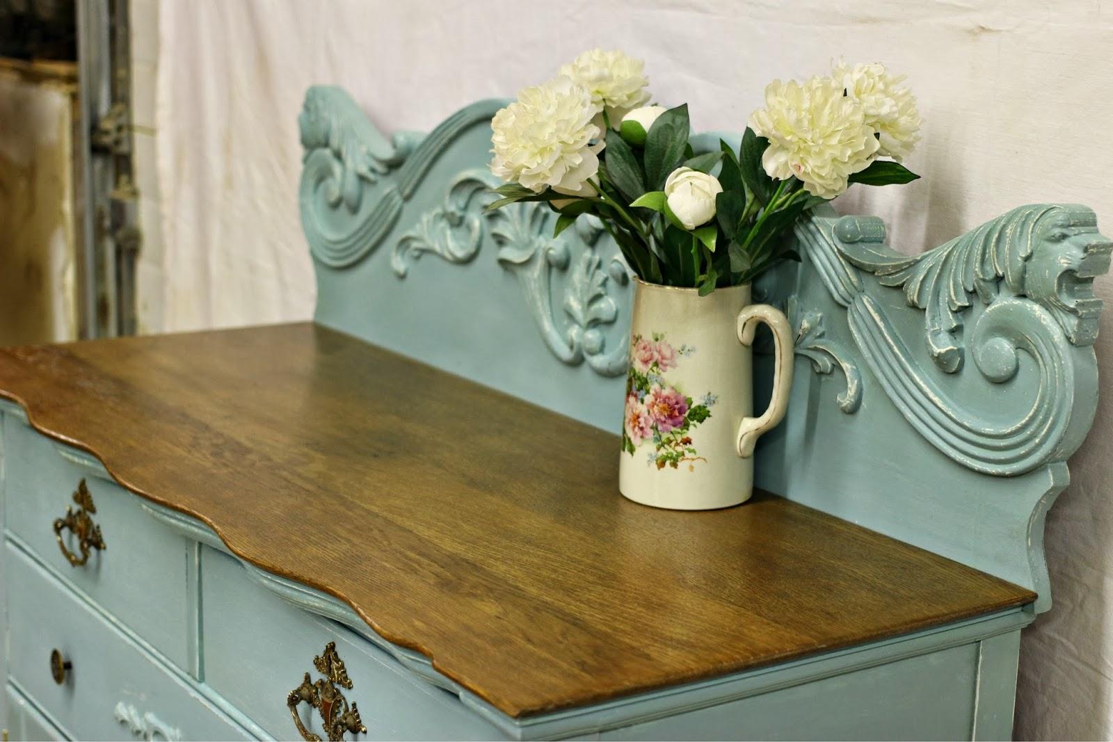 Flower vase kijiji -  On Kijiji Http Hamilton Kijiji Ca C Buy And Sell Furniture Hutches Display Cabinets Beautiful Antique Buffet Server Refinished W0qqadidz562884671