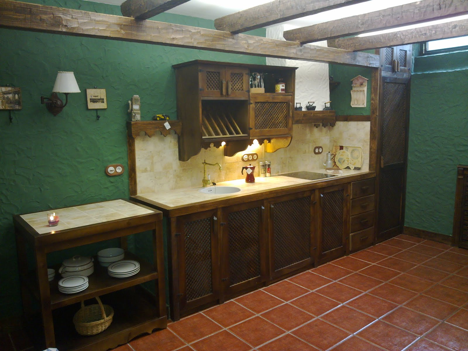 1000 images about pivnite beciuri on pinterest wine - Decorar bodega chalet ...