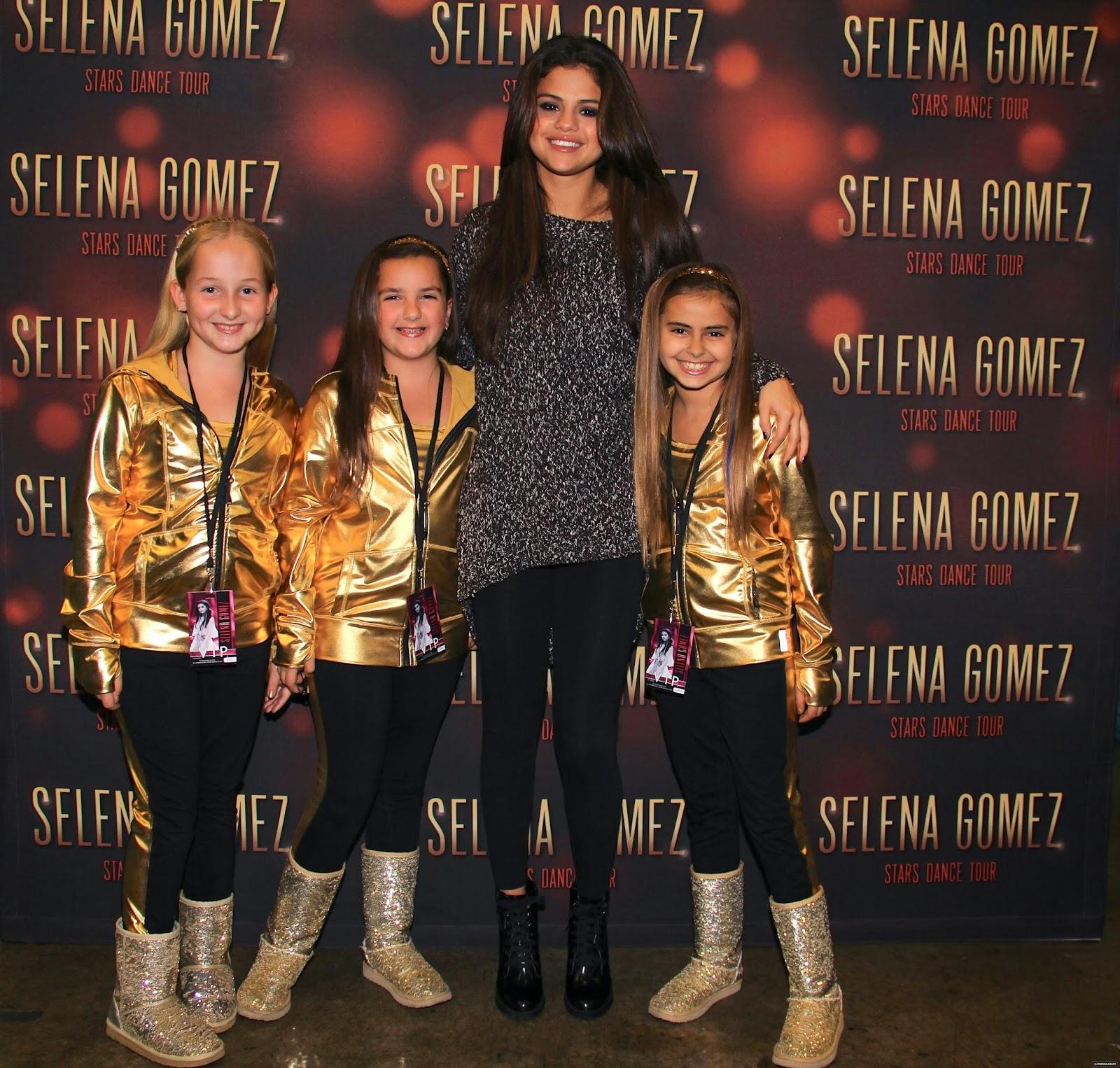 meet and greet selena gomez stars dance photo