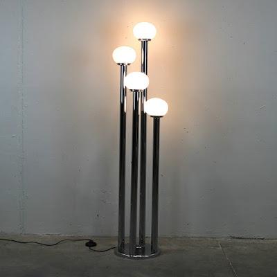Lámpara de diseño italiano de los años 70. Vintage.