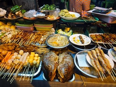 Street food dinner at Chinatown