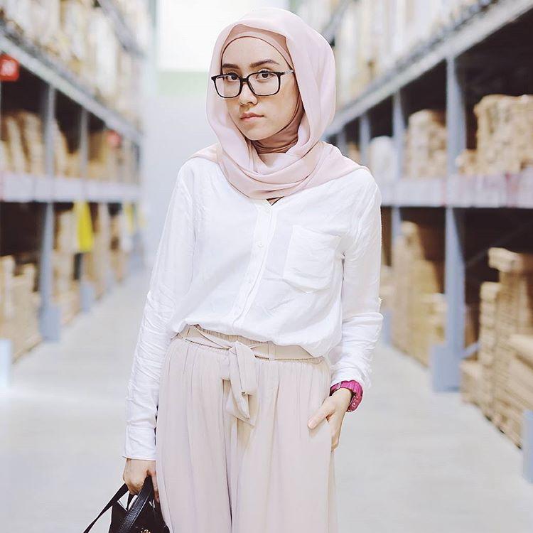 fashion blogger berhijab hijabers muslimah indonesia cakep populer sukses  desainer designer ngehits instagram vlogger kekinian outfit 10e3ee6cfb