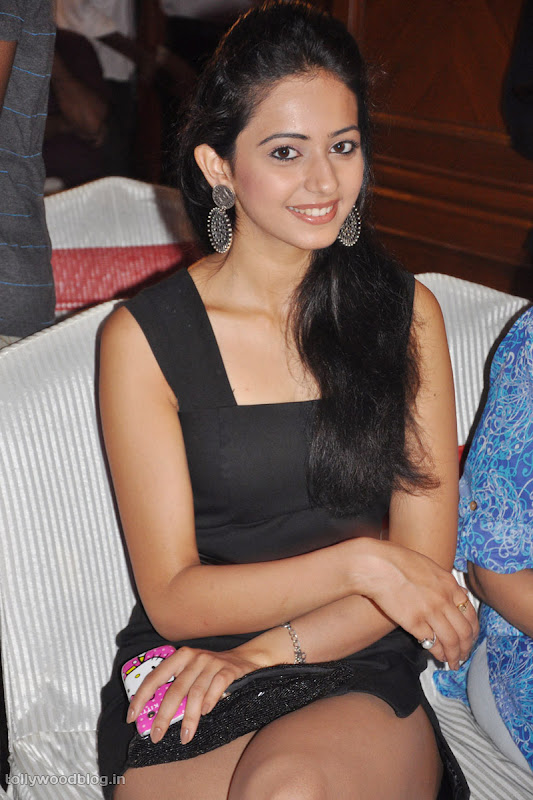 Keratam Actress Rakul Preet Sign Photos navel show