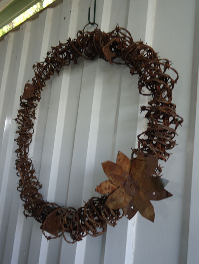 Rusty Barbed Wire Crafts