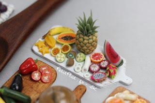 Miniature exotic Fruit by Stéphanie Kilgast, aka Petitplat