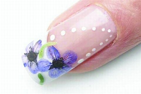 Para hacer la uñas acrilicas en casa solo debes de hacer
