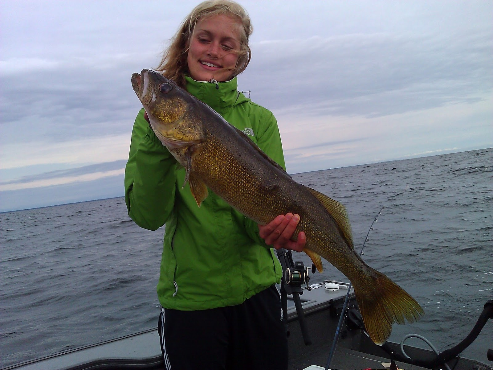 Green bay walleye fishing is easy wisconsin fishing report for Green top fishing report