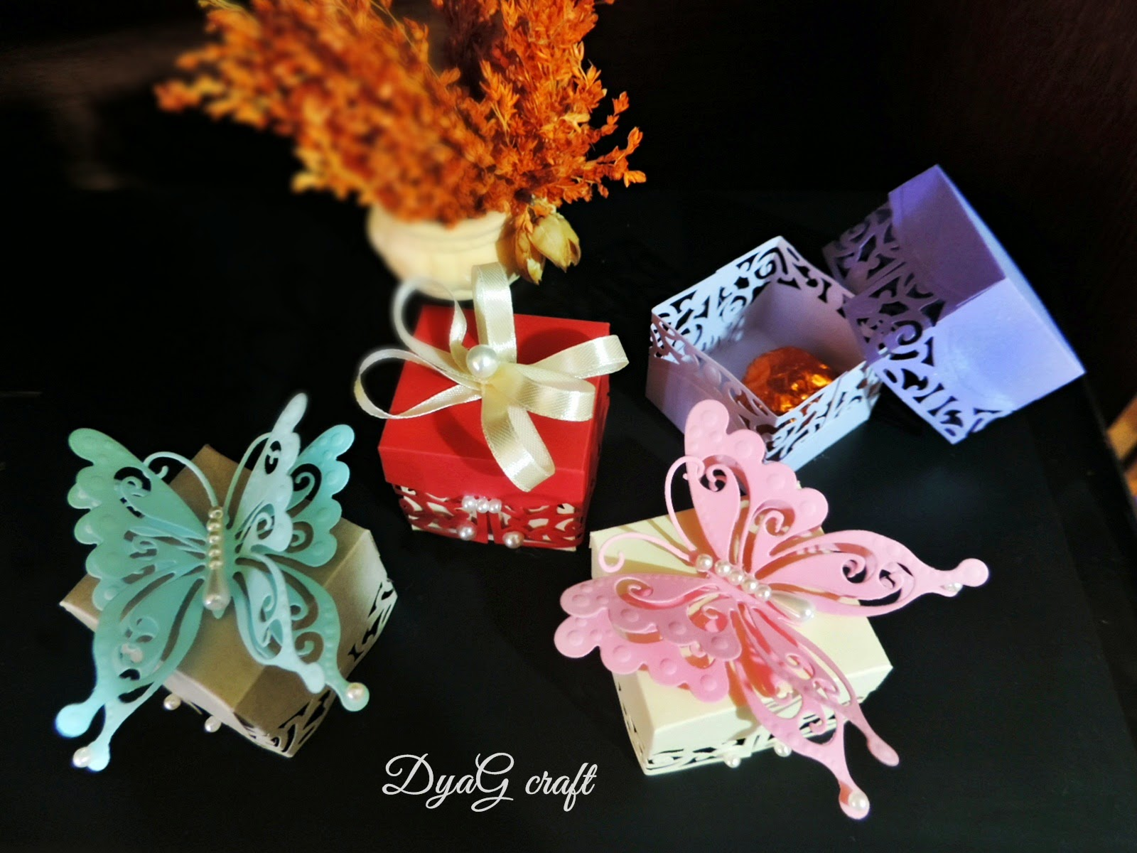 cutie marturie -fluturi handmade-nunta handmade