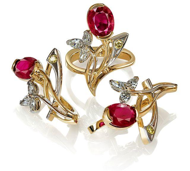 Золотые украшения с драгоценными камнями в Украине