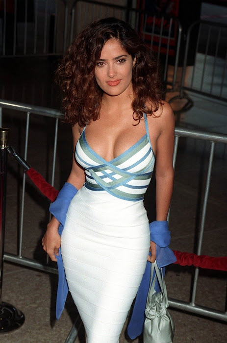 salma hayek cleavege hot images