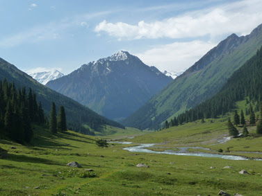 kyrgyzstan craft tours, silk road tours