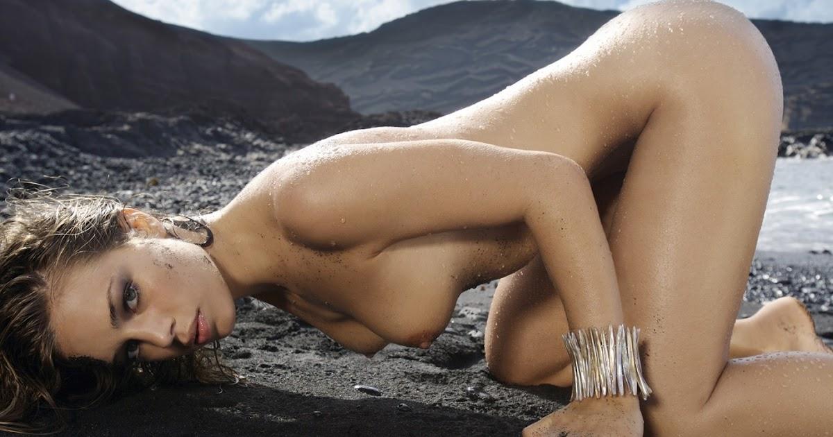 wild fucking nude women