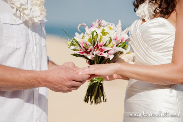 Maui beach wedding by Simple Maui Wedding