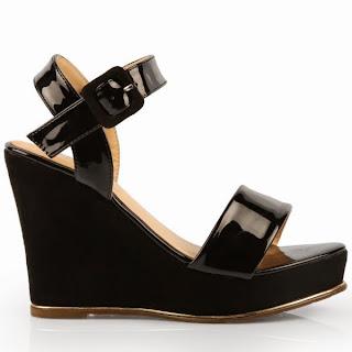 http://www.ebay.fr/itm/sandales-compensees-femme-noir-36-37-38-39-40-41-noires-bride-cheville-sexy-/301548456271?ssPageName=STRK:MESE:IT