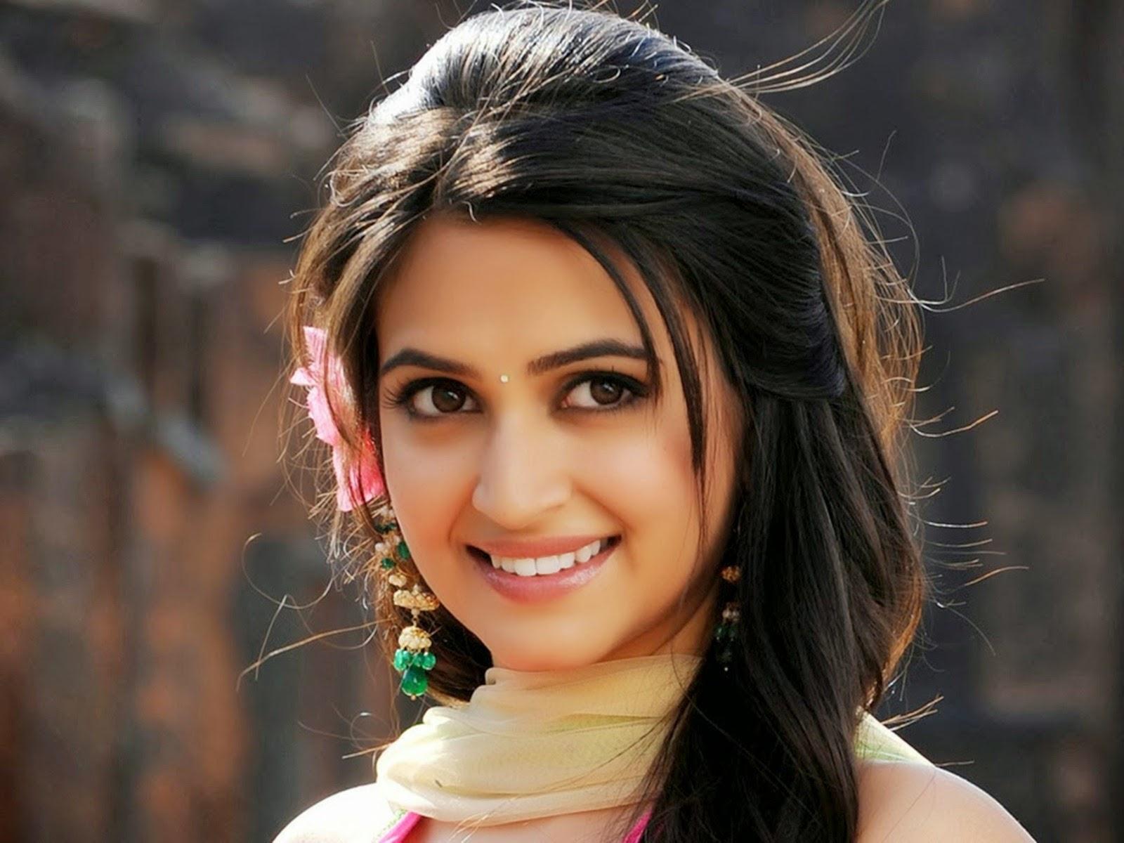 celebrities hd wallpaper download: kriti kharbanda hd wallpapers fee
