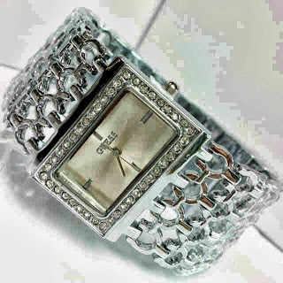 Jam Tangan Guess Fish Diamond Silver