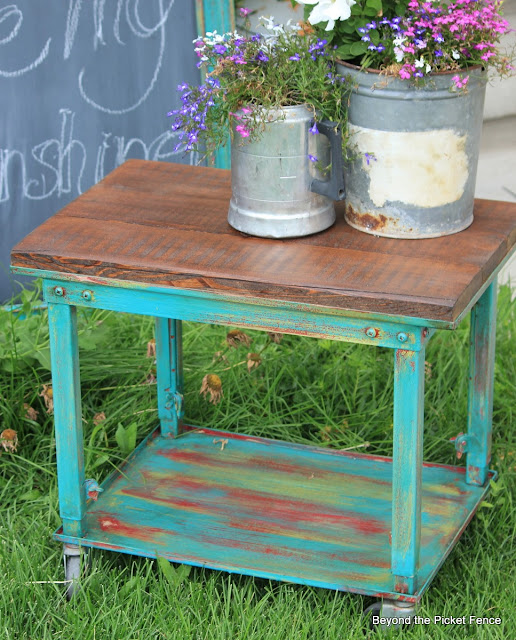 industrial barn wood table http://bec4-beyondthepicketfence.blogspot.com/2013/07/industrial-barnwood-side-table.html
