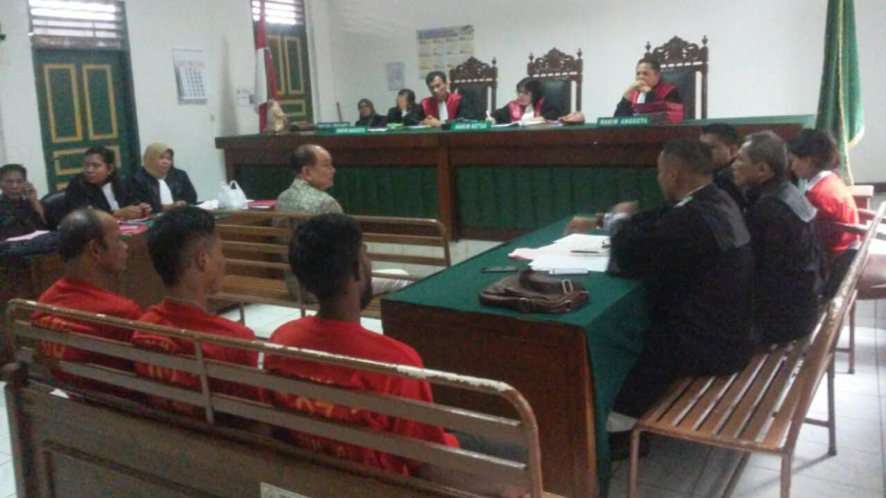 """Tidak Etis Hakim Ingatkan Saksi Ahli """" Awas Pertanyaan Jebakan """""""