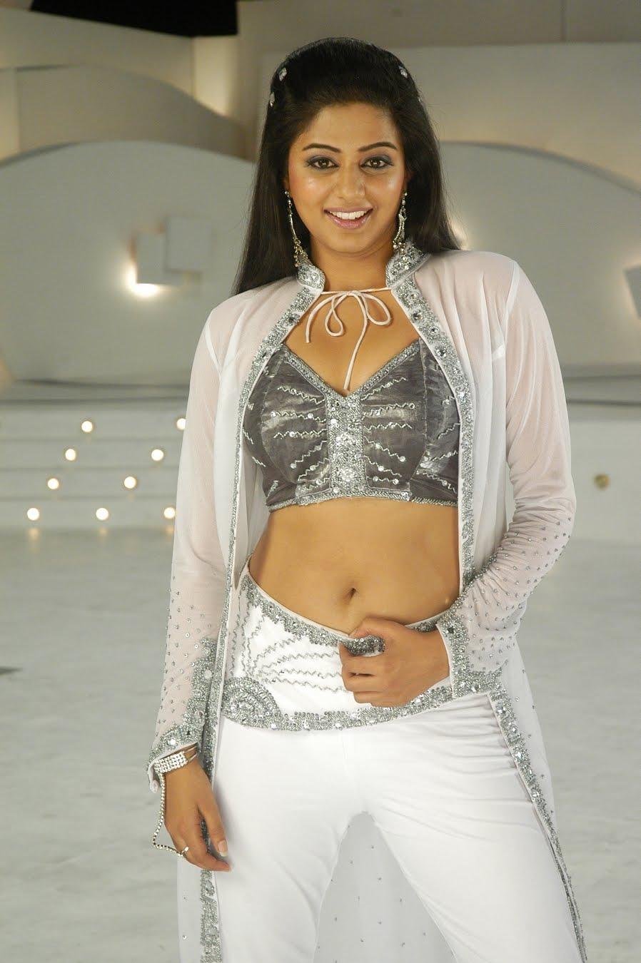 BALAI DESA: Priya Mani Photo Gallery|Tamil Actress Pirya Mani Gallery