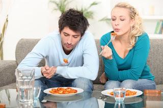 Άνοστα τα φαγητά μπροστά στην τηλεόραση