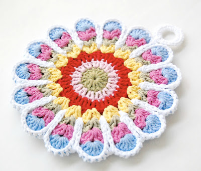 free crochet pattern flower potholder