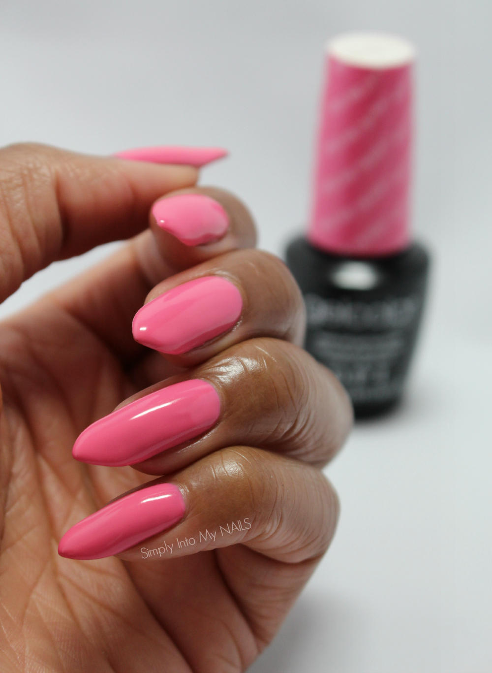 OPI Gelcolor Kiss Me I\'m Brazilian | Simply Into My NAILS