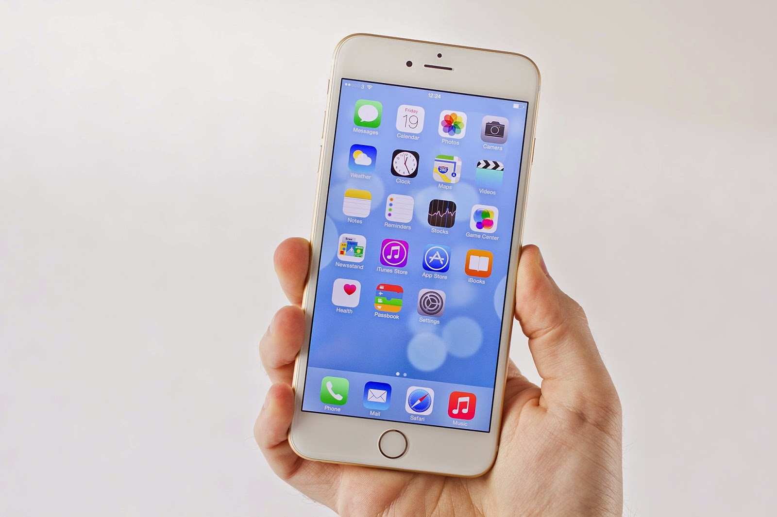 The New IPhones Are Selling Like Proverbial Hotcakes Recently Apple Co Founder Was Steve Wozniak Even Criticized That Has Jumped Up Too Late On