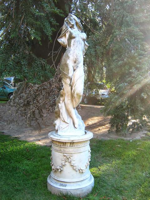 escultura blanes Montevideo prado