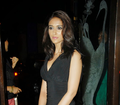 sparling exoitc Ileana d'cruz hot photos in black short dress at 'phata poster nikla hero' movie completion party