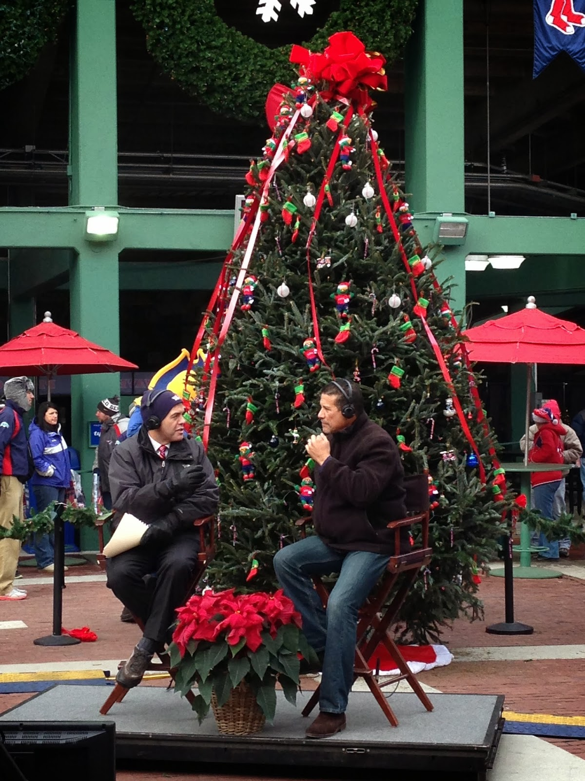Christmas at Fenway Park brings hundreds to Boston | RedSoxLife ...