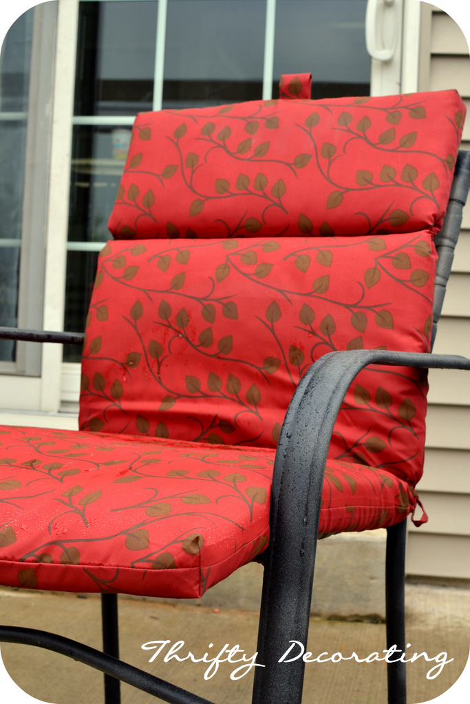 Thrifty Decorating: Spraypainted Patio Furniture Redo. - Thrifty Decorating: Spraypainted Patio Furniture Redo...